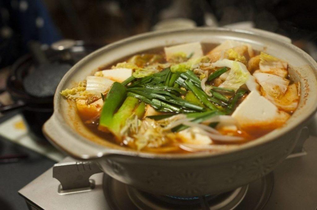 あつあつのキムチ鍋で美味しそう